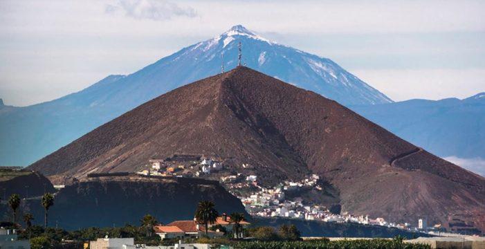 """""""Sin trampa ni cartón"""": el Teide y la Montaña de Gáldar, unidos en una foto"""