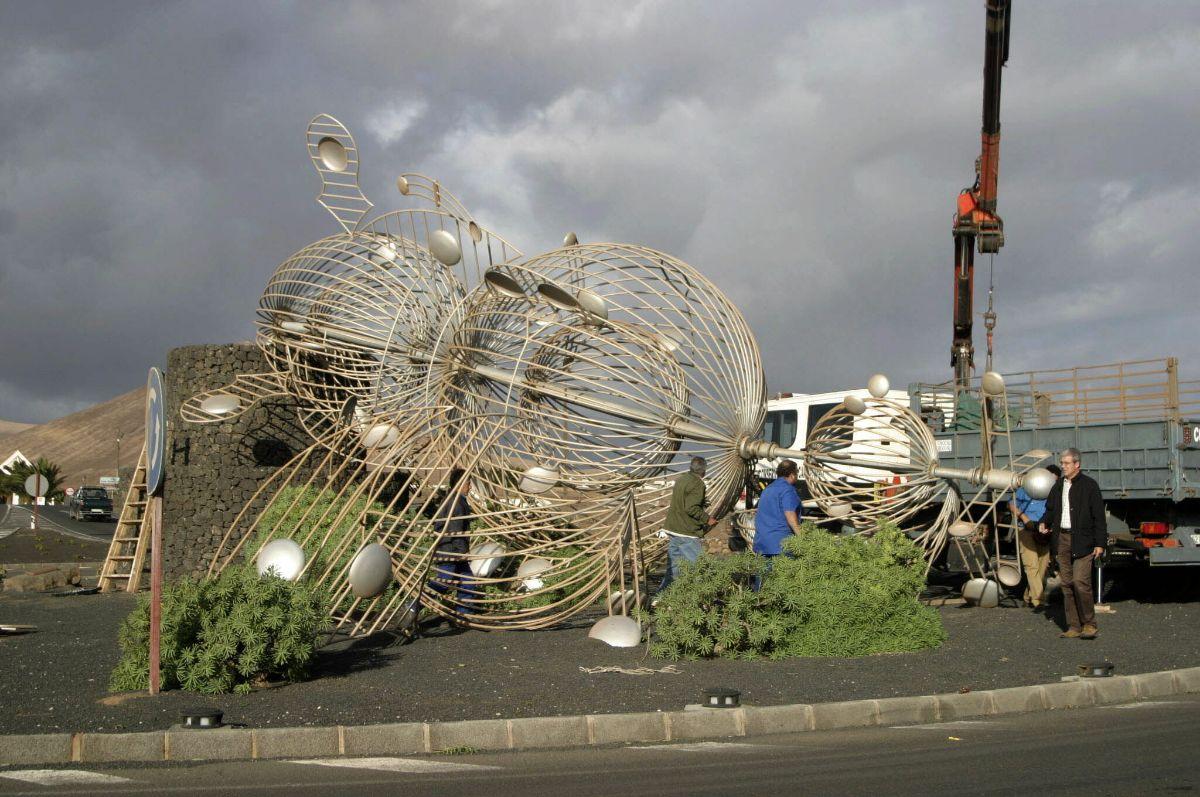 Derribada escultura 'Juguete del viento' de Cesar Manrique, Lanzarote_429 TORMENTA DELTA