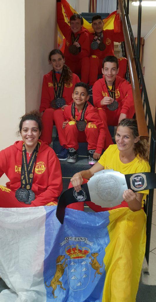 82a27ef39e69 Gran éxito de la escuela de kickboxing de Mar Rodríguez en los Mundiales de  Roma que acabaron hoy en Roma