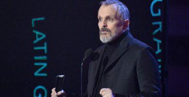 """""""¿Qué le pasa a Miguel Bosé?"""": preocupación por su salud tras su aparición en los Latin Grammy"""
