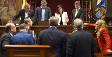"""El PSOE, Podemos y NC hablan """"en bloque"""" del """"cambio político"""" en 2019"""