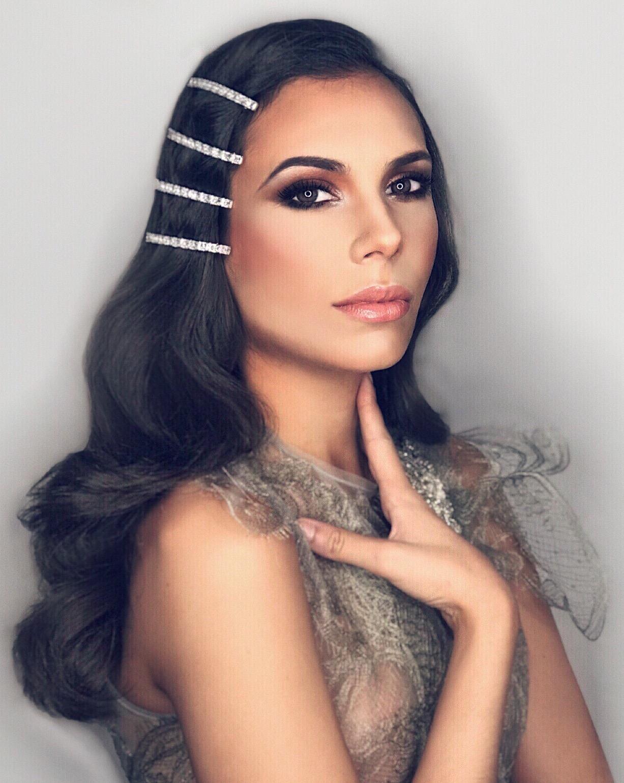 Paula González Izquierdo, concursante de Quiero ser Reina. Estilismo por Marc Philguer, vestuario y complementos de Marco&María