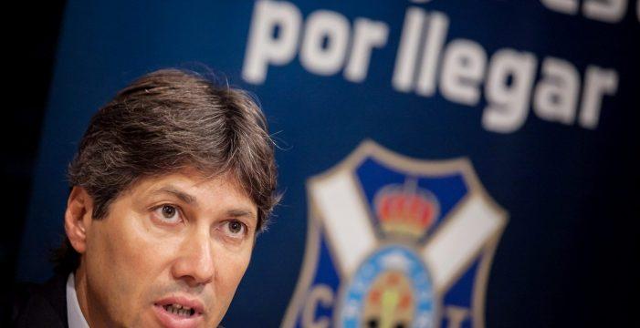 La crisis de resultados se lleva por delante a Serrano