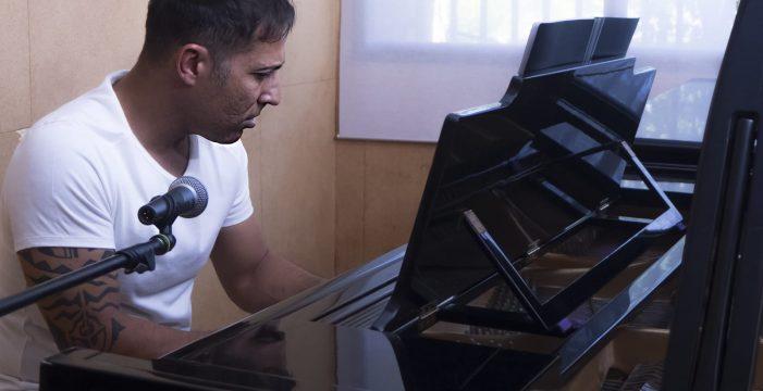 Miguel Rojas lleva su canción de autor al Regia Comedy
