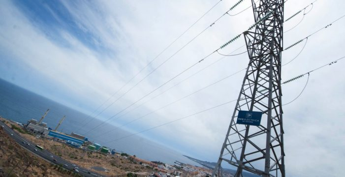 El Gobierno canario da vía libre a la línea aérea de alta tensión Granadilla-Candelaria
