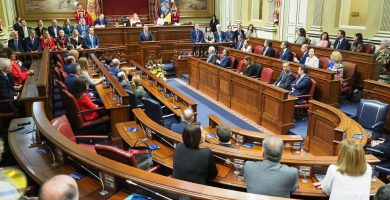 """PSOE, NC y Podemos lamentan """"oportunidad perdida"""" con nueva ley de RTVC"""