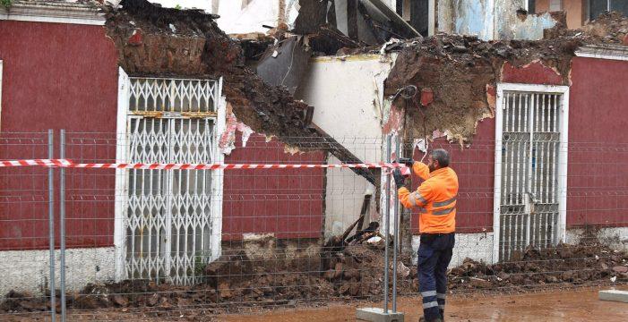 Se derrumba la fachada de una vivienda en Tacoronte