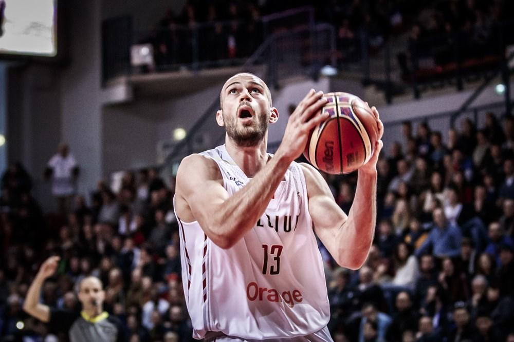 Pierre Antoine Gillet se lesionó con la selección belga. FIBA Basketball
