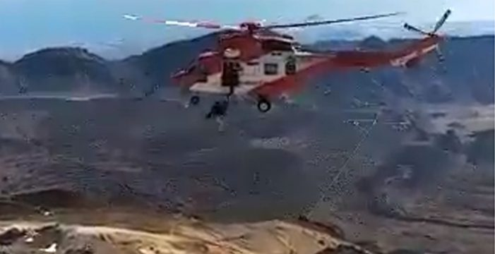 Evacúan en helicóptero a un hombre con problemas de salud en el Teide