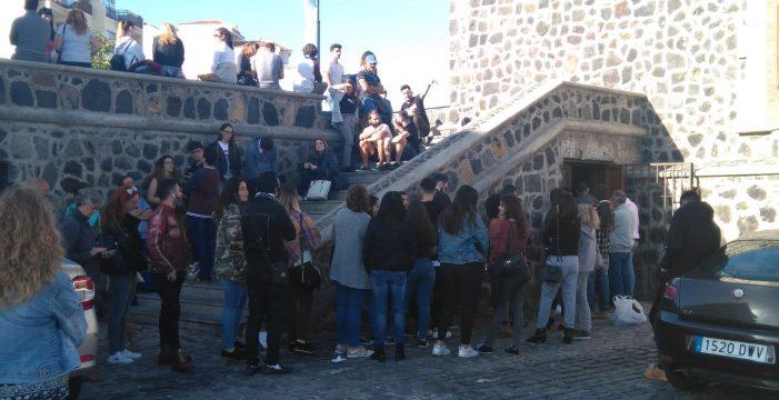 Más de 300 personas se presentaron hoy al casting de 'Charter' en el Puerto de la Cruz