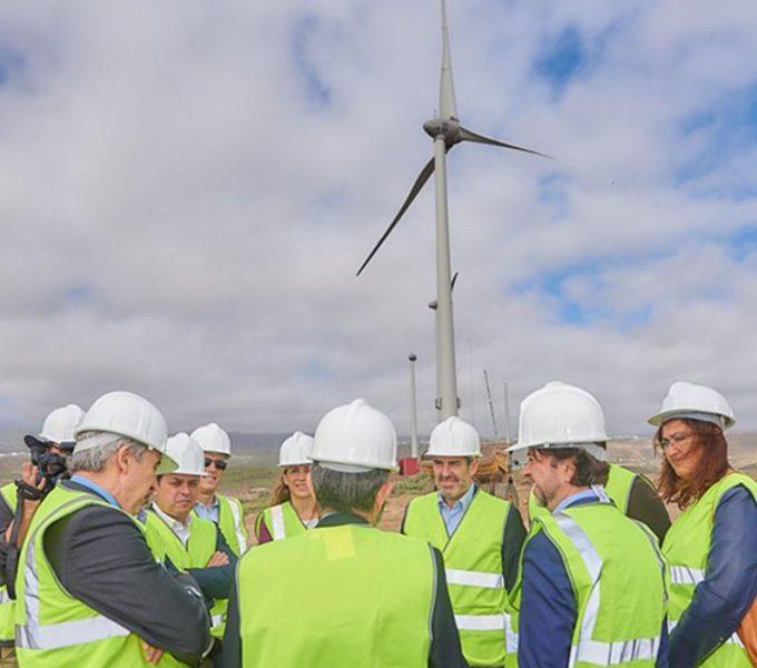 El Parque Eólico de Arico dará energía a 7.000 viviendas y disminuirá en 72.000 toneladas las emisiones de CO2