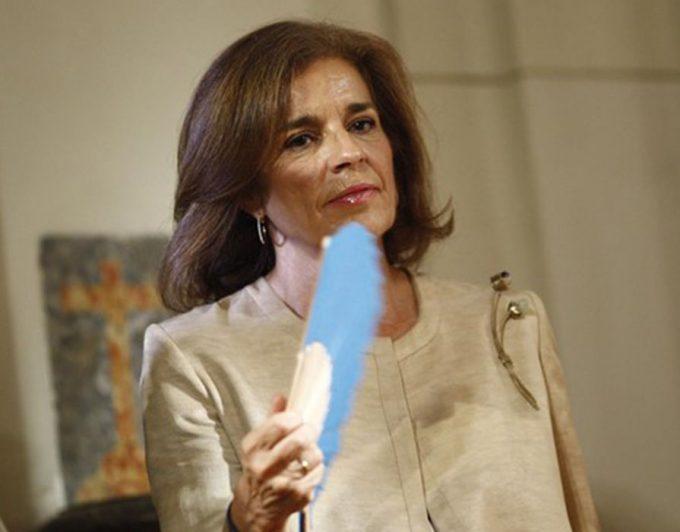 Revocan la condena a Ana Botella por la venta de viviendas municipales a un fondo buitre