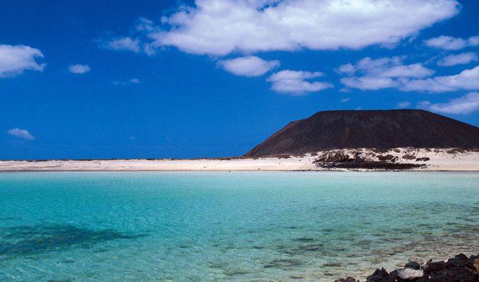 Fuerteventura limitará las visitas al islote de Lobos a 200 visitantes diarios y cobrará entrada