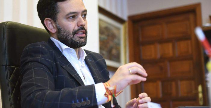 """Lope Afonso, alcalde del Puerto de la Cruz: """"No hay intenciones de agilizar el proyecto del muelle deportivo"""""""