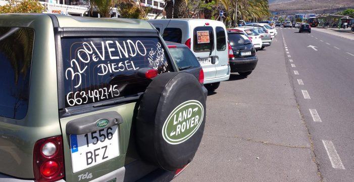 Los empresarios de Arona y Adeje exigen más zonas de aparcamientos