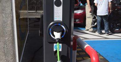 Instalan en El Hierro siete puntos de recarga de vehículos eléctricos