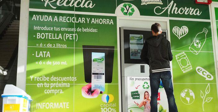205.000 botellas de plástico han sido recicladas en Tenerife gracias a las máquinas de 'revolving' situadas en los hipermercados Tu Trébol