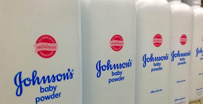 Johnson & Johnson vendió durante décadas talco para bebés contaminado con asbesto