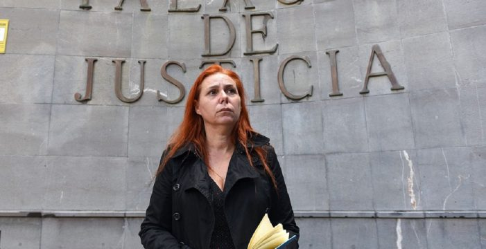 La madre canaria del niño con fibrosis quística pide a la ministra de Sanidad por los enfermos de toda España