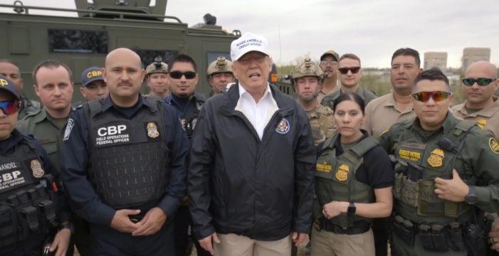 """Trump dice que la situación en la frontera """"es mucho peor"""" de lo que se piensa y habla de """"invasión"""""""