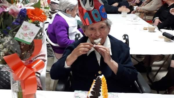 Una bilbaína con 106 años dice que su secreto para ser feliz es no haberse casado