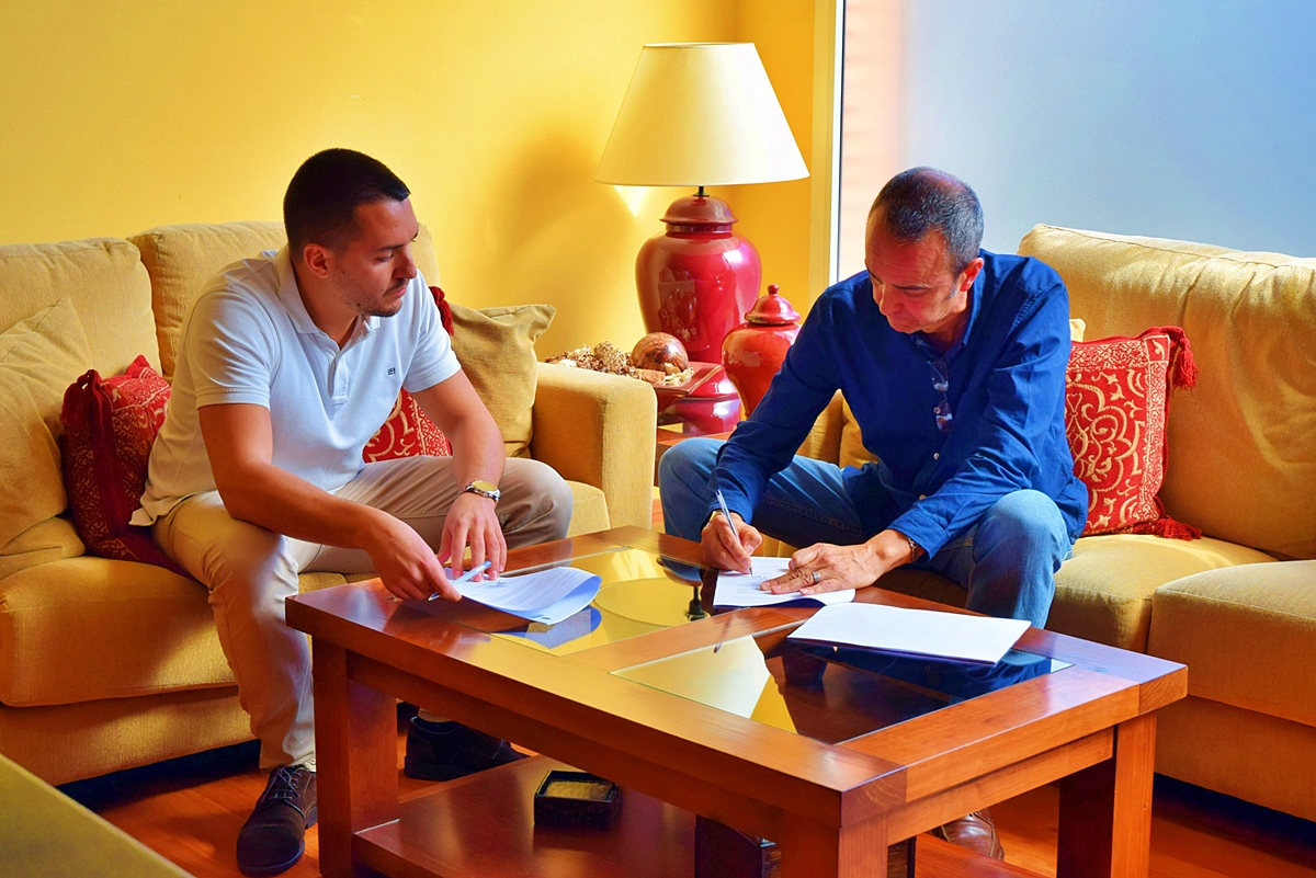 Acuerdo Manolo Mesa y Femotor Tenerife Diego Hernandez (2)
