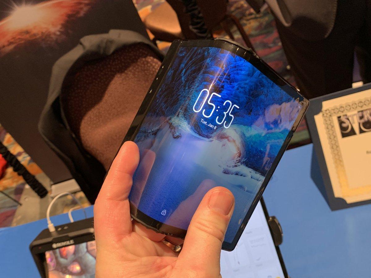 El Teléfono Y Teclado Flexible Flexpai De Royole Se: Así Es El FlexPai, El Primer Smartphone Flexible Que Ya Se