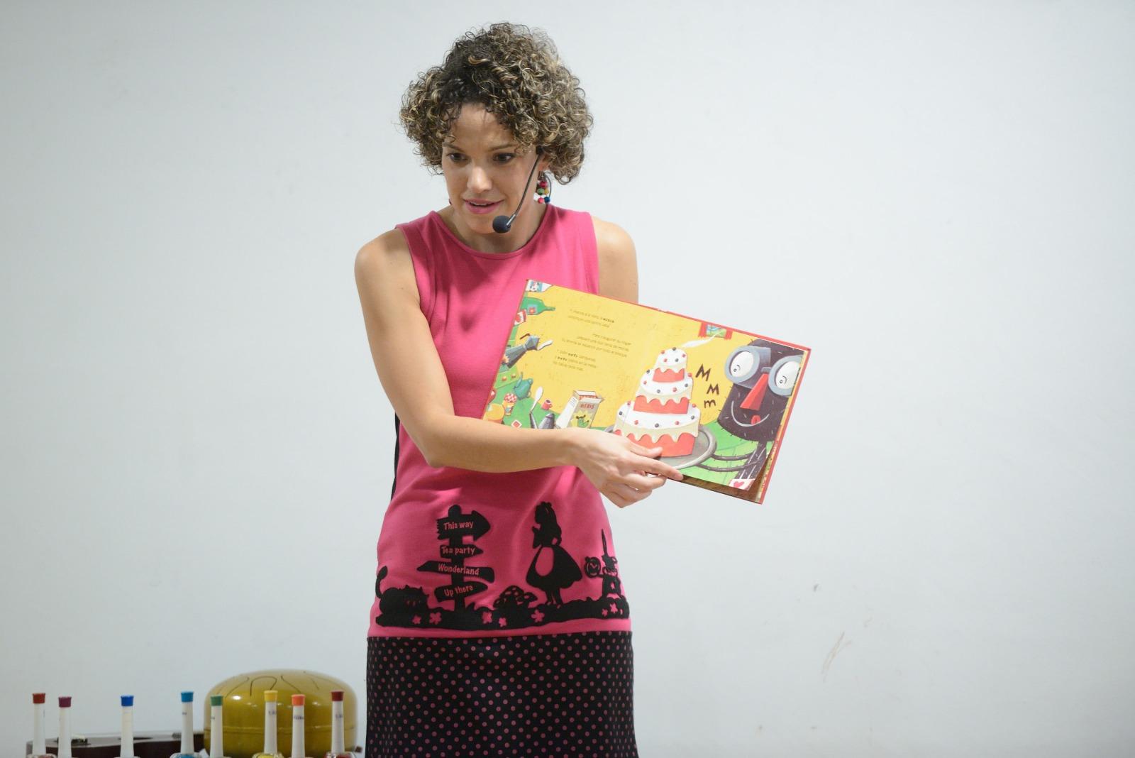 Laura Escuela, narradora oral / DA