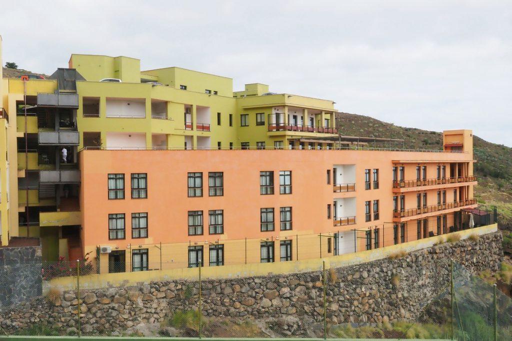 Vista general de la residencia de mayores Amavir, en Ifara. / SERGIO MÉNDEZ