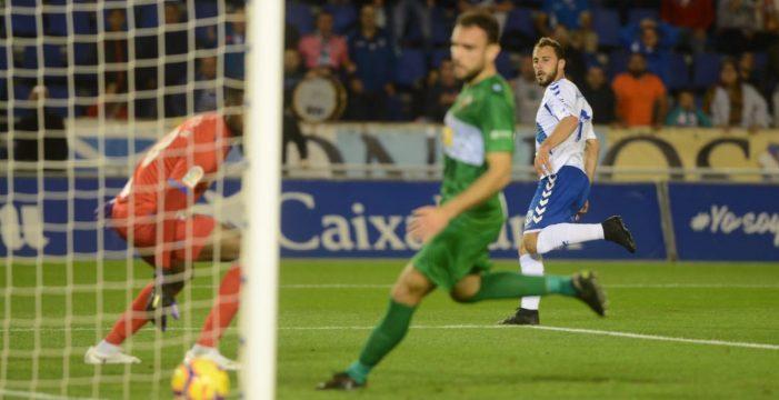 El mejor Tenerife de la temporada inicia el año deslumbrando (2-1)