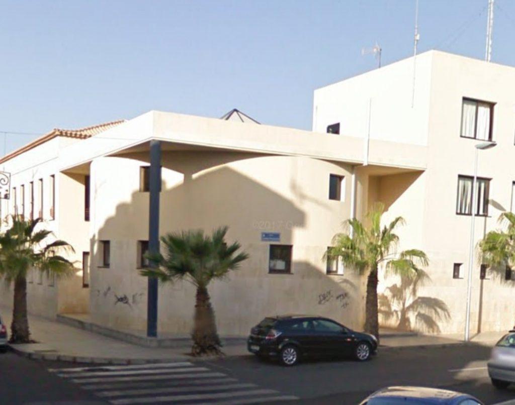 El edificio que será adaptado para albergar a afectivos de los cuerpos y fuerzas de seguridad está ubicado en la calle San Sebastián de La Gomera, junto al Centro Cívico. DA