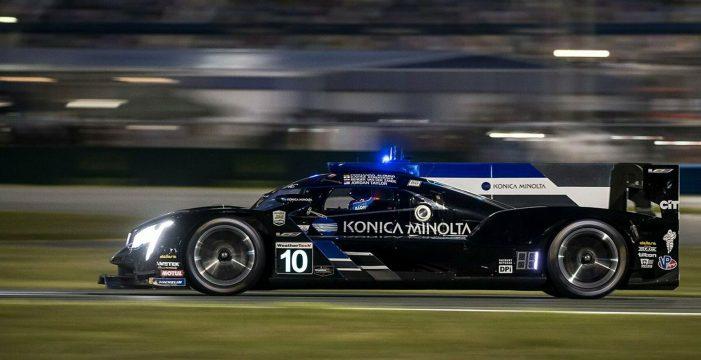 Fernando Alonso gana las 24 Horas de Daytona tras suspenderse la prueba a pocos minutos del final