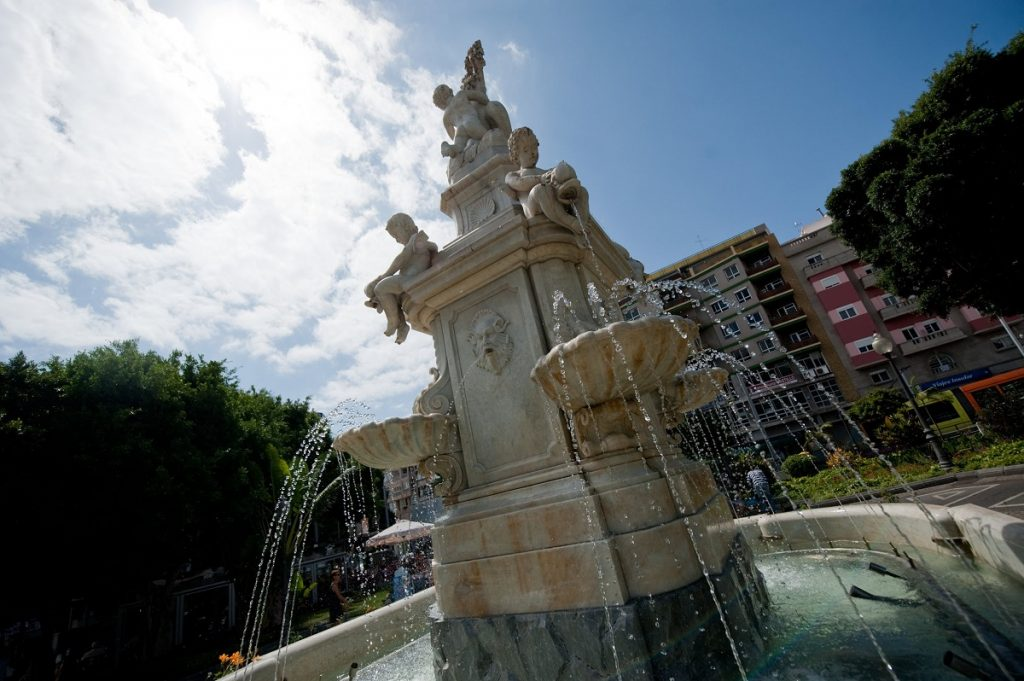 La fuente de mármol de Carrara fue restaurada en 2009 y presenta en la actualidad un aspecto espléndido. | Foto: Fran Pallero