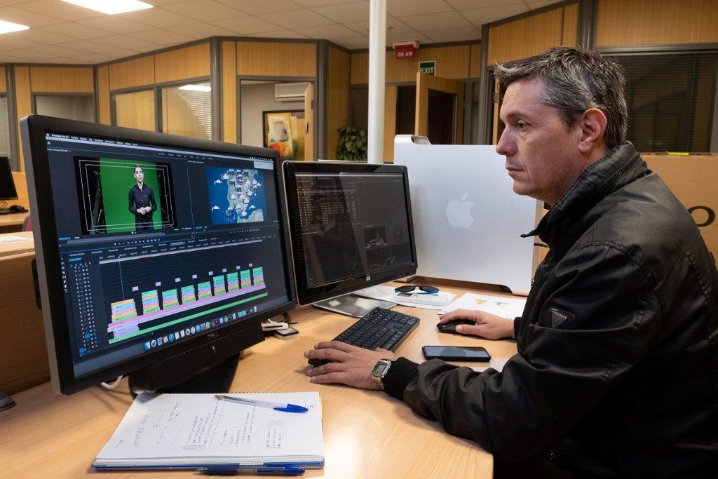 Nando Férez, al frente del equipo técnico que desarrolla 'El Tiempo'. | Foto: Fran Pallero