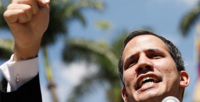 La Fiscalía de Venezuela abre una investigación contra Guaidó por los apagones