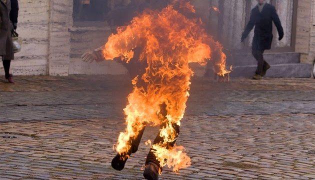 Un hombre se prende fuego en Praga en el 50 aniversario de la muerte del joven Jan Palach