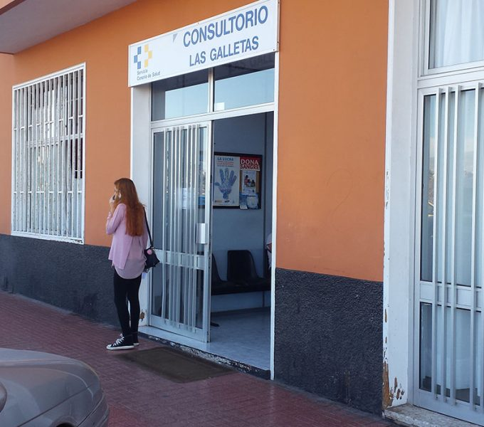 """Arona acusa a Sanidad de """"dar la espalda"""" a los vecinos de Las Galletas"""