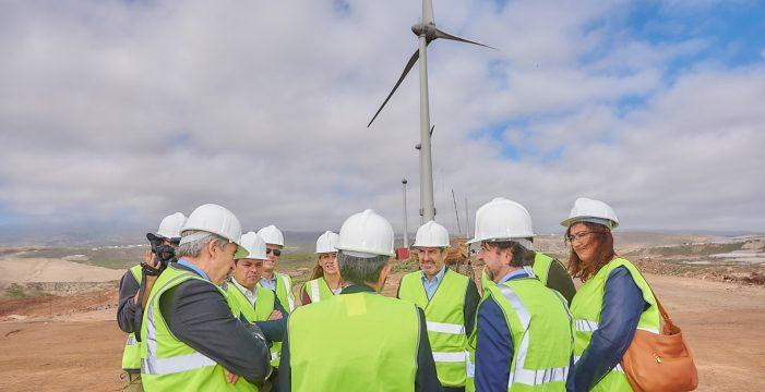 Cabildo y Gobierno de Canarias invierten 24,2 millones de euros en el parque eólico del Complejo Medioambiental de Arico