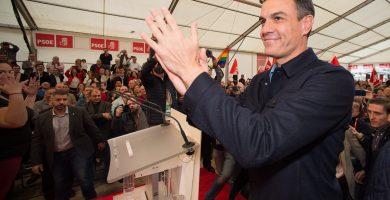 """Sánchez: """"Viva España, pero que no viva enfrentada como quieren las tres derechas, sino unida"""""""