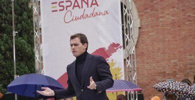 """Albert Rivera llama a la unión contra """"los del 'España va bien' de hace 30 años"""""""