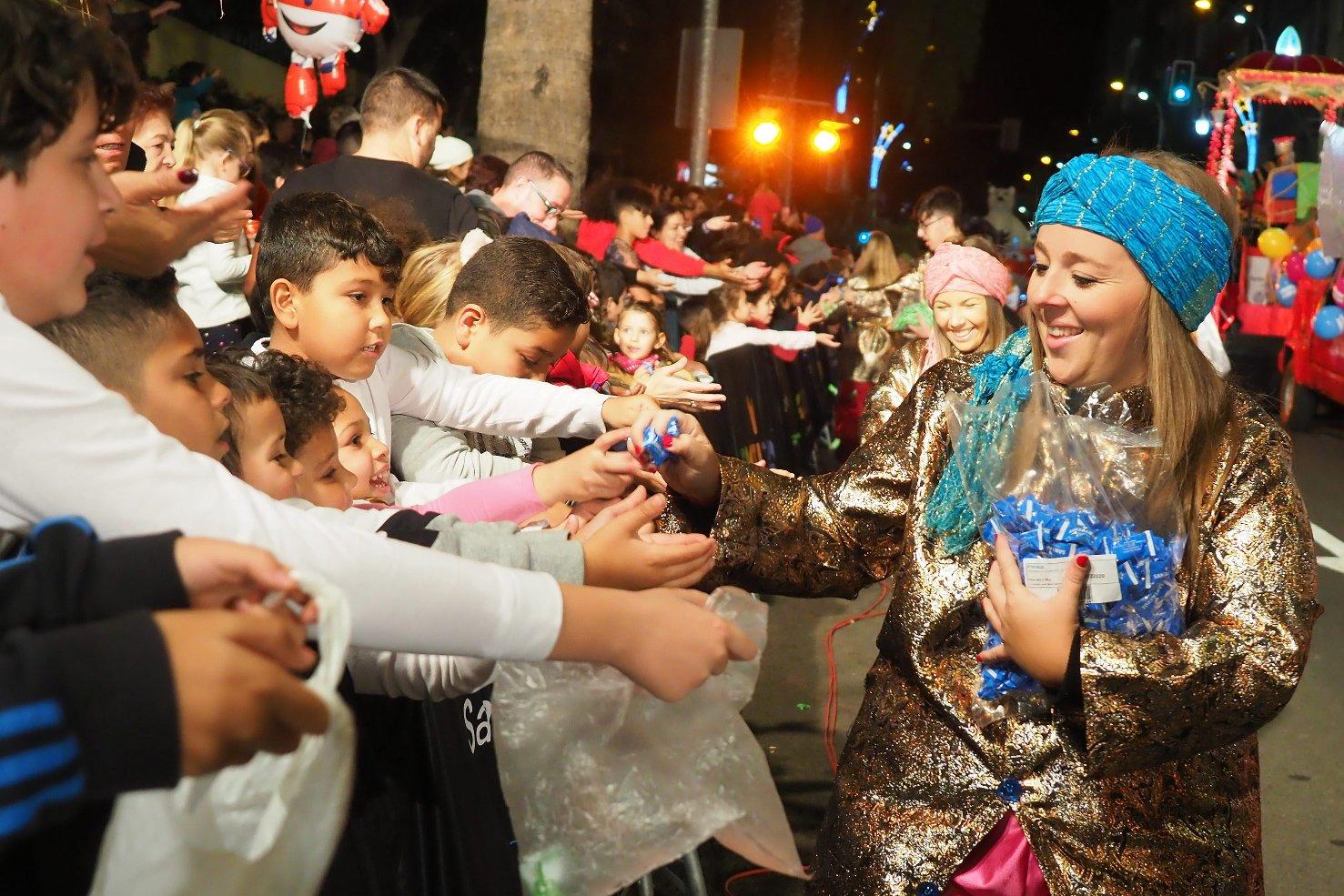 Momentos de la Cabalgata de los Reyes Magos en Santa Cruz de Tenerife / Foto: Sergio Méndez