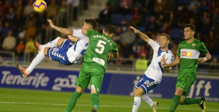 El Tenerife anuncia la cesión de José Naranjo al AEK Larnaca chipriota