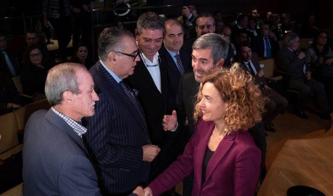 """Batet muestra el """"compromiso"""" del Gobierno en el reto de cumplir con el REF y el Estatuto de Canarias"""