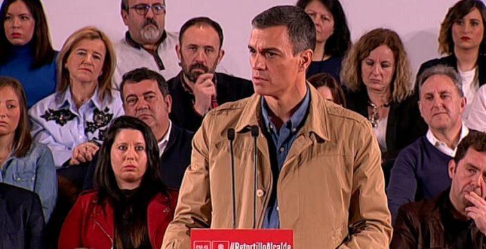 """Sánchez dice que la manifestación de Madrid representa """"una España en blanco y negro"""""""