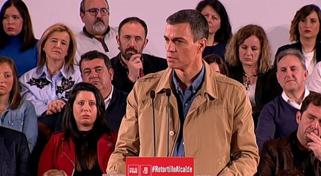 """Sánchez dice que la manifestación de Madrid representa """"una España en blanco y negro que pretende dar marcha atrás"""""""