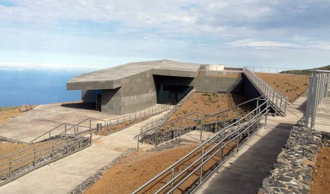 """El Cabildo avanza que en un año se podrán """"ordenar las visitas al Roque de Los Muchachos"""""""