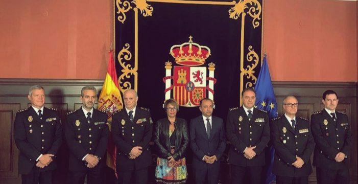 Elena Máñez preside la presentación de cuatro nuevos comisarios de la Policía Nacional