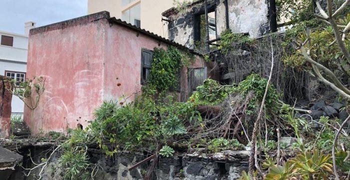 Evitan la caída del edificio en ruinas de la histórica Molina, en pleno centro de Santa Cruz de La Palma