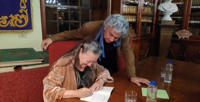 Elsa López da voz al hombre que la ha amado durante 46 años