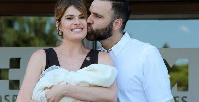 Adriana Abenia pensó en divorciarse tras el primer mes después de dar a luz